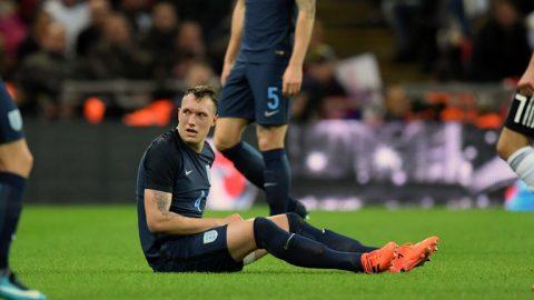 Điểm tin sáng 11/11: M.U điêu đứng vì Phil Jones; Thiago mở đường trở lại Barca