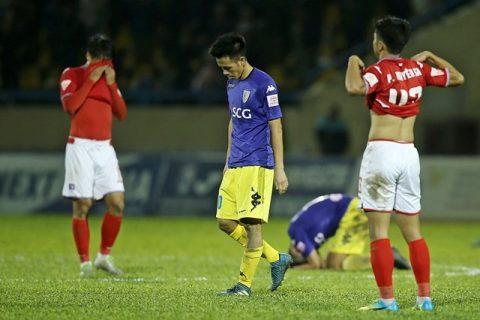Điểm tin bóng đá Việt Nam sáng 29/11: Văn Quyết xứng đáng giành giải Quả bóng Vàng Việt Nam