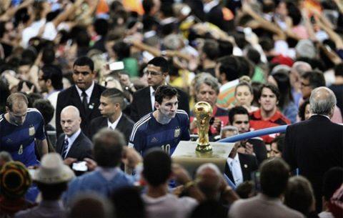 """Leo Messi: """"Hy vọng bóng đá sẽ trả cho tôi món nợ World Cup"""""""