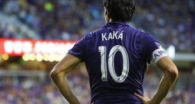Cả sự nghiệp Kaka bỗng chốc thu bé lại qua 10 bức ảnh