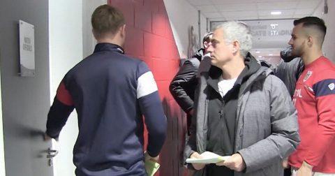 Cầu thủ Bristol bất ngờ vì được Jose Mourinho sang chúc mừng