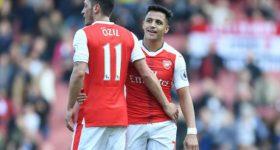 """Man Utd mua Ozil """"giá bèo"""", Sanchez tái hợp Pep: Arsenal tan nát"""