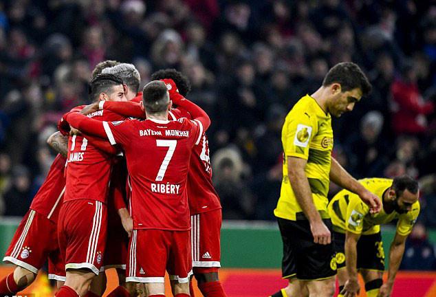 Muller rực sáng, Dortmund CHÍNH THỨC thành cựu vương cúp Quốc gia Đức