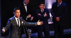 """Maradona: """"Ronaldo hay nhất lịch sử? Bảo hắn bớt nói nhảm đi"""""""