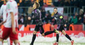 Vòng 15 Bundesliga: Chiến thắng kinh điển của 'chú lùn' Freiburg