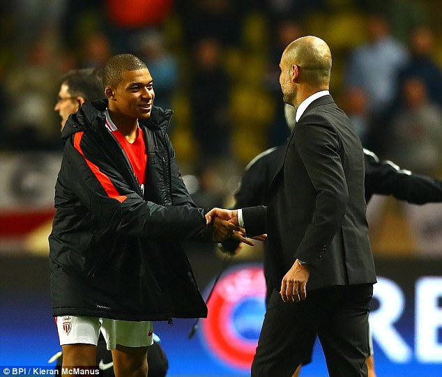 """Pep khao khát """"báu vật"""" của Man Utd vì 'tài năng chẳng kém Mbappe'"""
