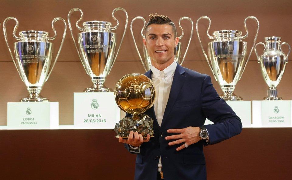 Floretino Perez tuyên bố Quả bóng vàng 2017 sẽ thuộc về Ronaldo