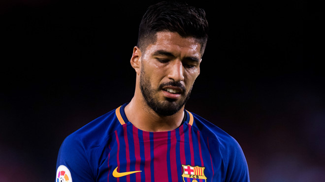 Messi không có lỗi, lỗi tại Suarez