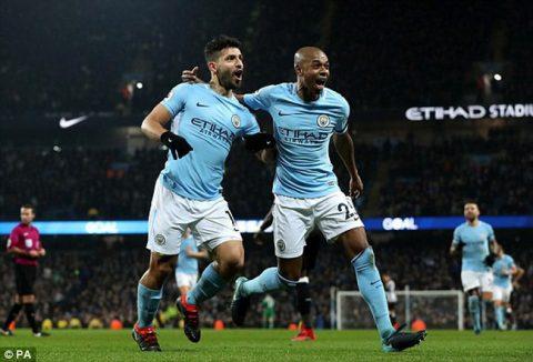 Aguero lập hat trick, Man City xây chắc ngôi đầu bảng