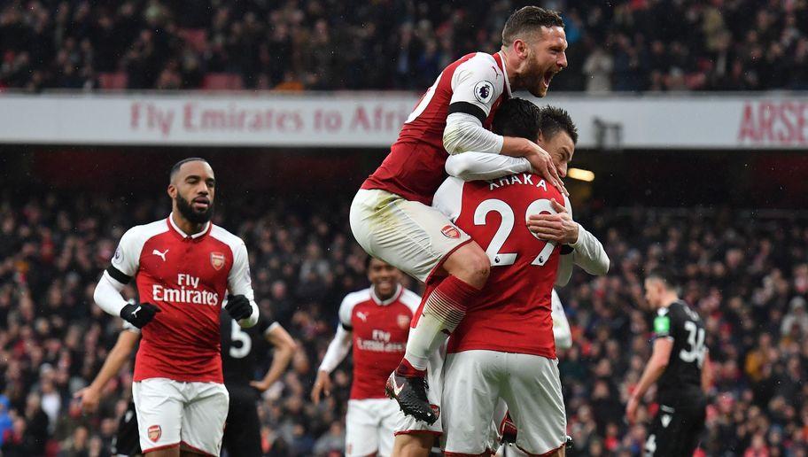 Không Sanchez, Pháo thủ vẫn vùi dập Crystal Palace