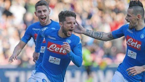 Thắng dễ Bologna, Napoli đòi lại ngôi đầu từ tay Juventus