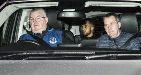 Walcott đến trong lặng lẽ, Everton đã có người thay thế Barkley