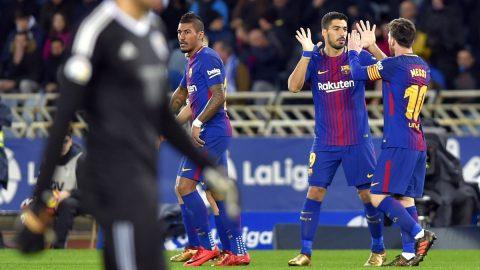 Messi và Suarez lập siêu phẩm, Barca ngược dòng hạ Sociedad
