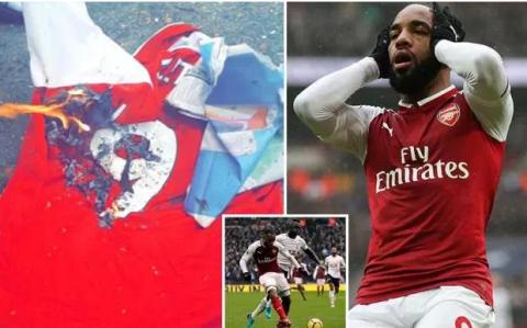 Fan Arsenal đã có cái áo mới nhất để đốt, không phải tên Alexis