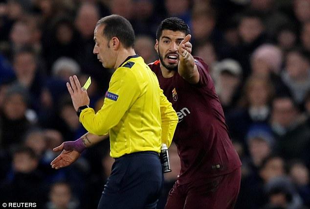 Xúc phạm trọng tài vì không đòi được pen, Luis Suarez sẽ phải trả giá đắt?