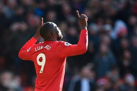 Lukaku: Hãy giẫm lên lưng Chelsea mà bay!