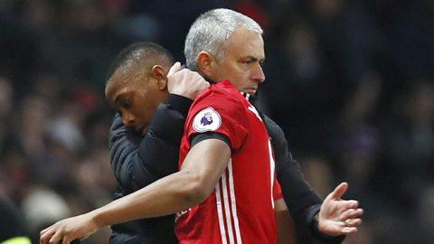 """Mourinho nổi đóa sếp MU vì chưa """"thưởng"""" cho Martial"""