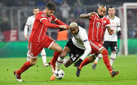 Thắng đậm 5 sao, Bayern đặt một chân vào tứ kết C1