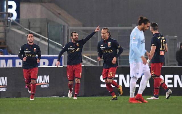Hàng thủ như mơ ngủ, Lazio gã ngựa trên sân nhà