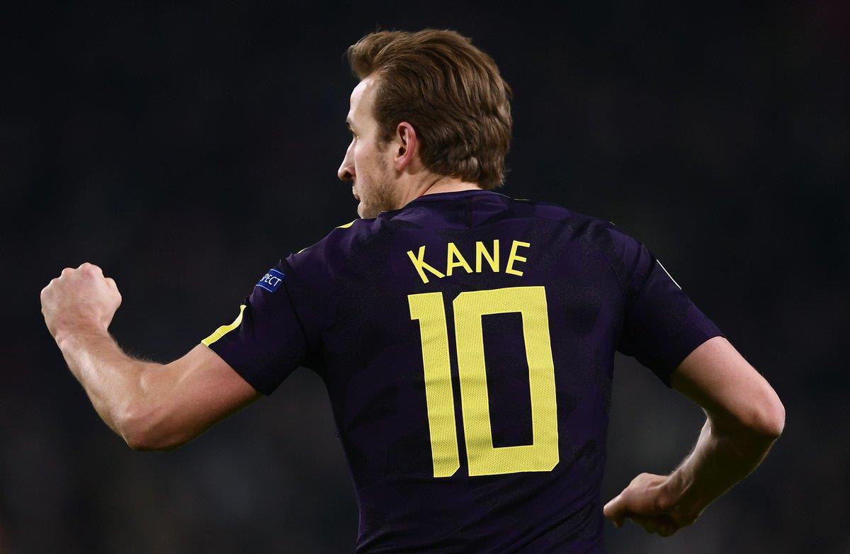 Harry Kane khuất phục 694 phút giữ sạch lưới của Buffon
