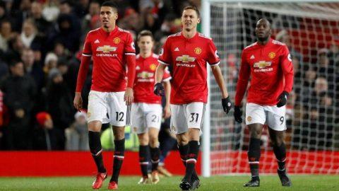 """Mourinho hãy thôi cho Man Utd """"dựng xe bus"""""""