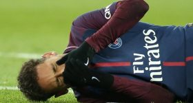 Thắng tưng bừng, PSG vẫn méo mặt vì chấn thương của Neymar