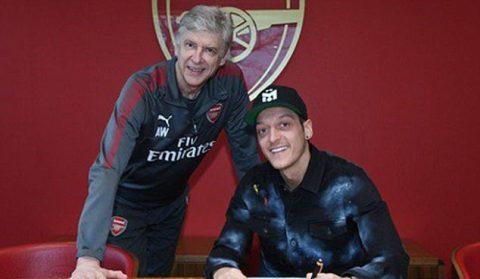 CHÍNH THỨC: Ozil ký siêu hợp đồng với Arsenal, lương chỉ kém Sanchez