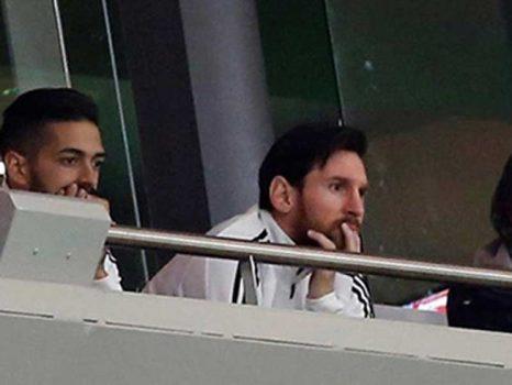 """Không ra sân trận thua thảm Tây Ban Nha, Messi vẫn """"hứng"""" chỉ trích nặng nề"""