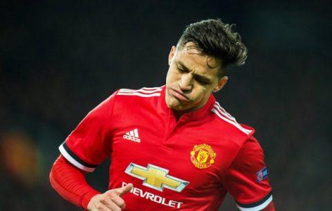 """Đá không hay, Sanchez bị đồng đội """"ghét cái thái độ"""" vì nhận lương quá """"khủng"""""""