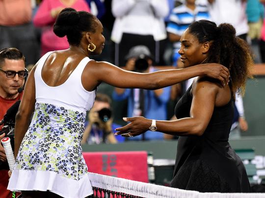 Venus Williams loại cô em Serena tại giải quần vợt quốc tế Indian Wells