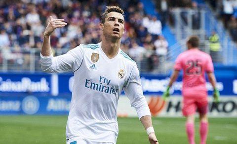 Ronaldo tiếp tục nổ súng, Real tạm thu hẹp cách biệt với Barca