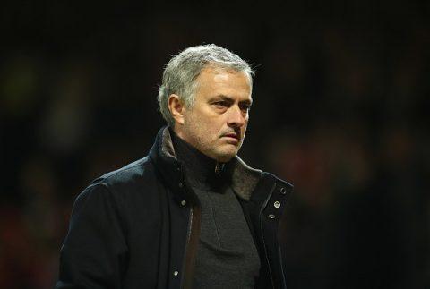 Kể cả có Messi trong tay, Mourinho vẫn khiến MU thất bại ê chề