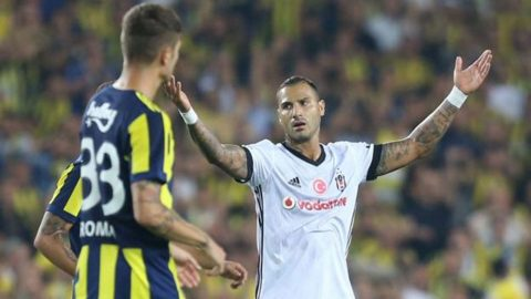 Quaresma hóa thân Pepe, bỏ trận đấu để choảng kẻ ăn vạ