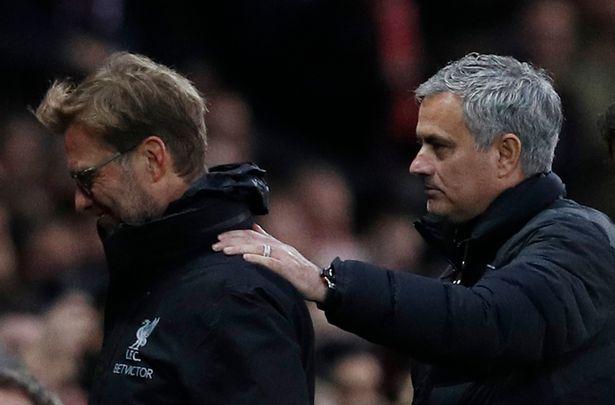 """Mourinho BẤT NGỜ """"bênh"""" Jurgen Klopp sau derby nước Anh"""