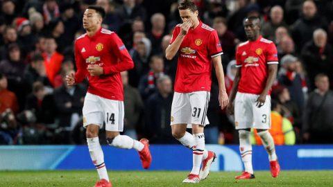 """Man Utd: Mourinho khổ vì """"tiền nhiều"""""""