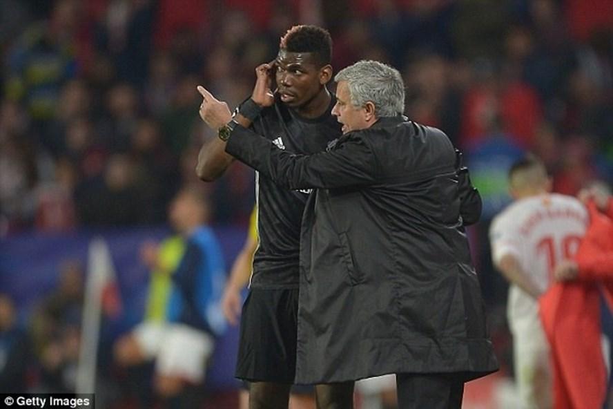 """Vì """"phải lòng"""" Pogba, Mourinho mới đối xử hà khắc như vậy"""