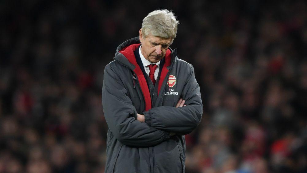 Wenger, Conte và những chiếc ghế HLV đang lung lay dữ dội