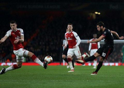 AC Milan thua tan tác ở Emirates, Dortmund tủi hổ rời Europa League