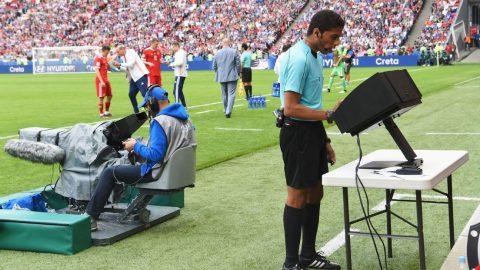 Liệu rằng bóng đá cần VAR hay cần một cảm xúc hơn?