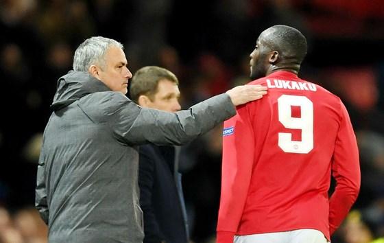 """Man.United """"trúng quả"""" nhờ các khoản đầu tư của Mourinho"""