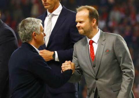 """Trắng tay mùa này, Mourinho vẫn ra """"yêu sách"""" mới"""