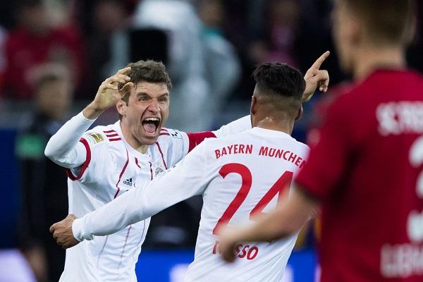 Đại thắng Freiburg, Bayern sải bước tới ngôi vô địch