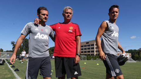 Tin HOT Man Utd 22/03: Mourinho sẽ không ngăn Mata và Herrera ra đi, Varane rất gần MU