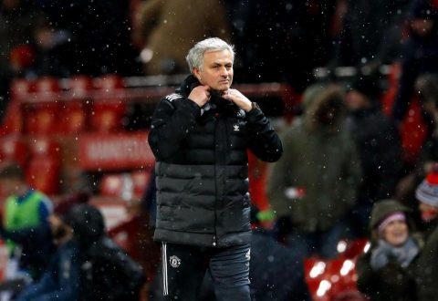 """Mourinho sẽ """"đứng đường"""" nếu Man Utd trắng tay mùa này"""