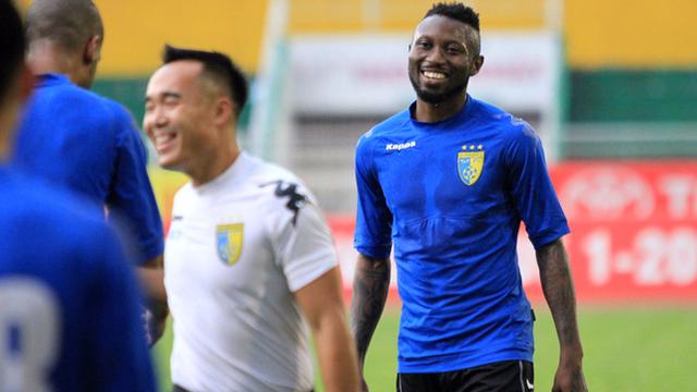 NÓNG: Hà Nội FC xác nhận triệu hồi Hoàng Vũ Samson