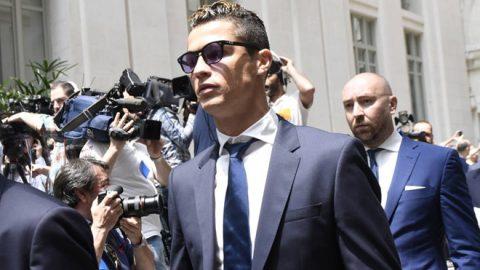 Nối gót Messi, Ronaldo gặp rắc rối liên quan đến cáo buộc trốn thuế