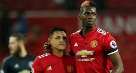 Mourinho đang kìm hãm Sanchez, Pogba