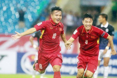 """Tụt hạng, đội tuyển Việt Nam vẫn là """"anh cả"""" của bóng đá Đông Nam Á"""