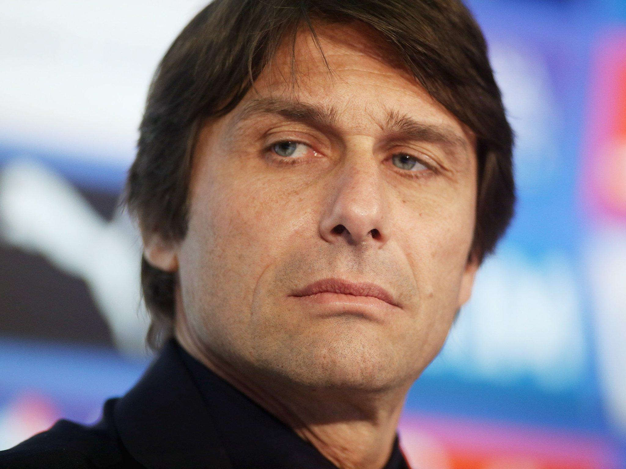 Antonio Conte đã ngán ngấy Chelsea đến tận cổ