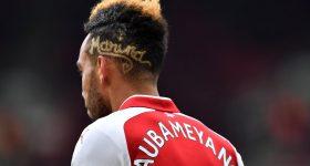 Aubameyang nói gì về cái tên đầy bí ẩn trên kiểu tóc mới